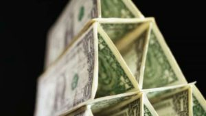разница между сетевым маркетингом и финансовой пирамидой
